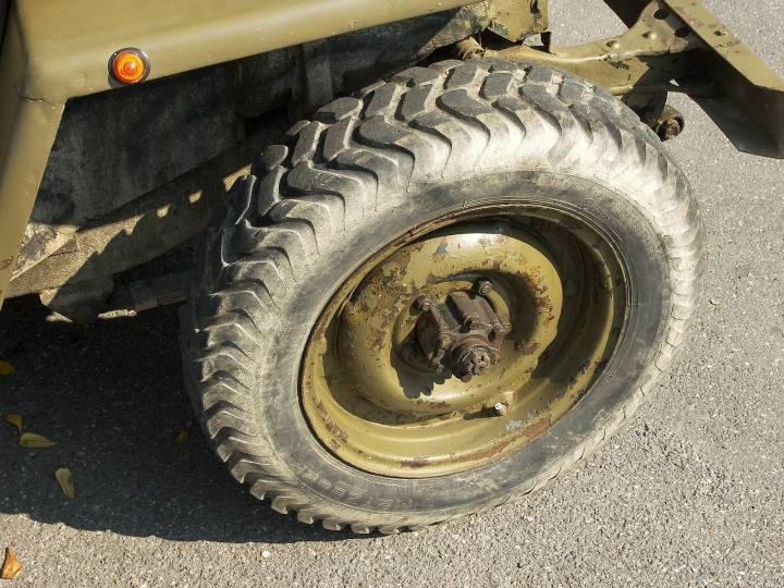 wheel-Jeep-Willys-military.jpg